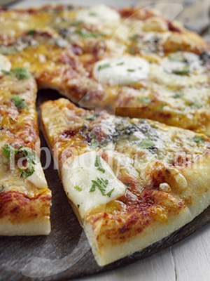 4 cheeses pizza photo