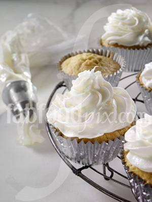 Buttercream frosting photo