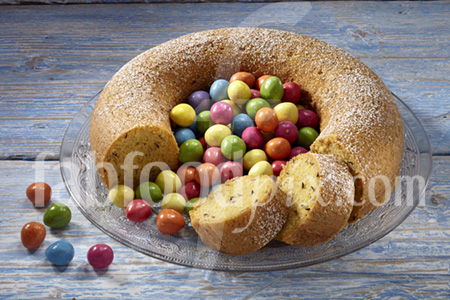 Easter_saffron_cake photo